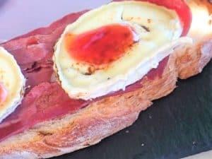 tosta de queso de cabra, presentación receta