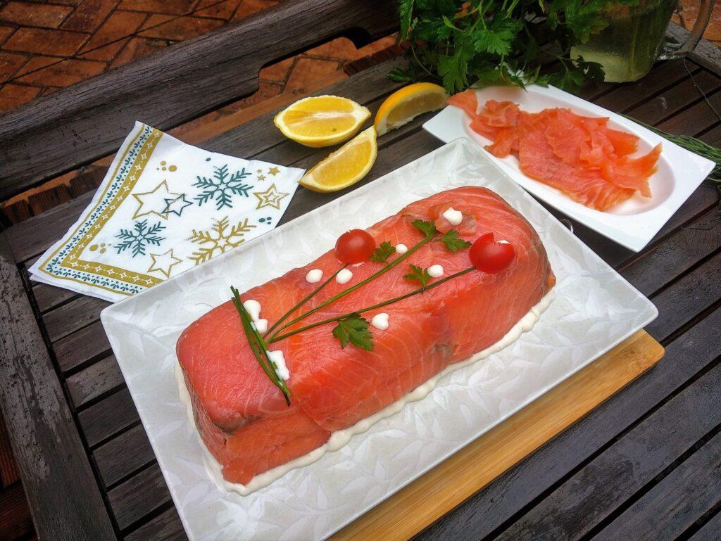 pastel de salmón, plato terminado, foto entrada