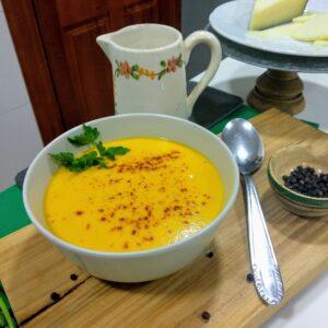 Crema de zanahorias, ligera, sabrosa y muy fácil
