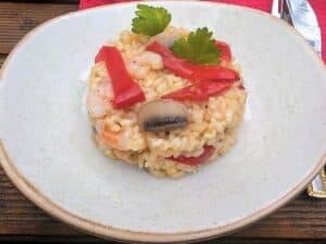 arroz con verduras y gambas, plato terminado receta