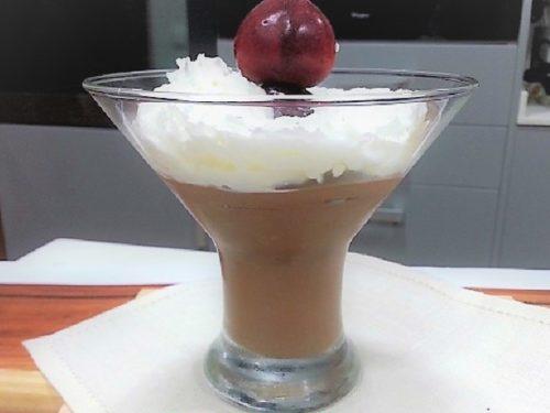 crema de chocolate, copa terminada, foto entrada