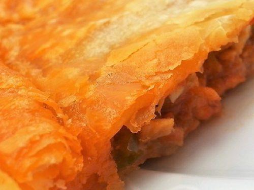 empanada de atun con hojaldre empanada hecha para plato entrada