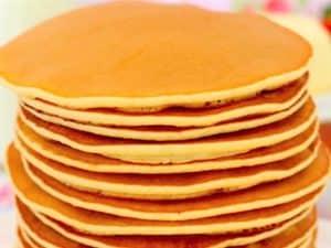 tortitas americanas con themomix, tortitas hechas plato presentación receta