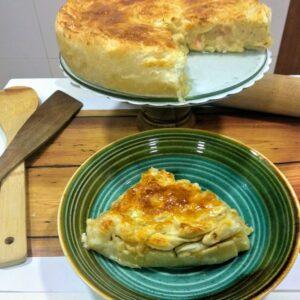 Pastel de pollo con hojaldre al horno