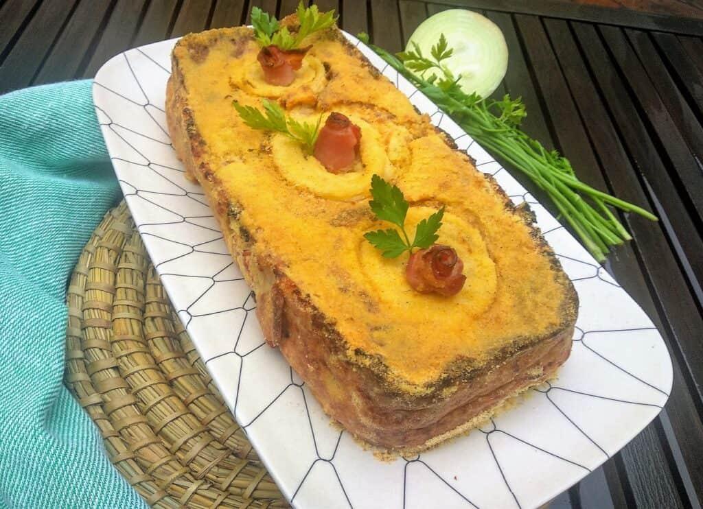 pastel de cebolla plato terminado entrada