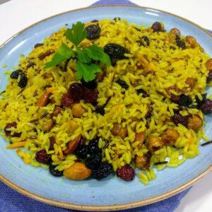 Arroz persa o arroz enjoyado, a la naranja, receta vegana.