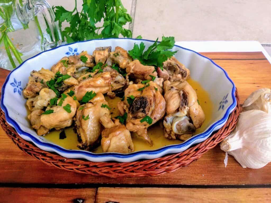 pollo al ajillo pollo al ajillo plato presentación entrada