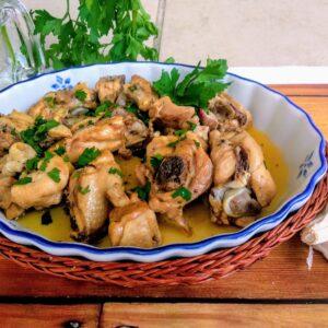 Pollo al ajillo, una receta con sabor tradicional