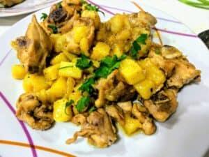 pollo al ajillo pollo terminado plato presentación receta