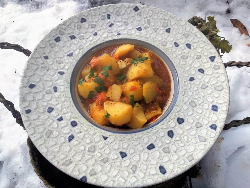 Patatas viudas, plato terminado, presentación entrada