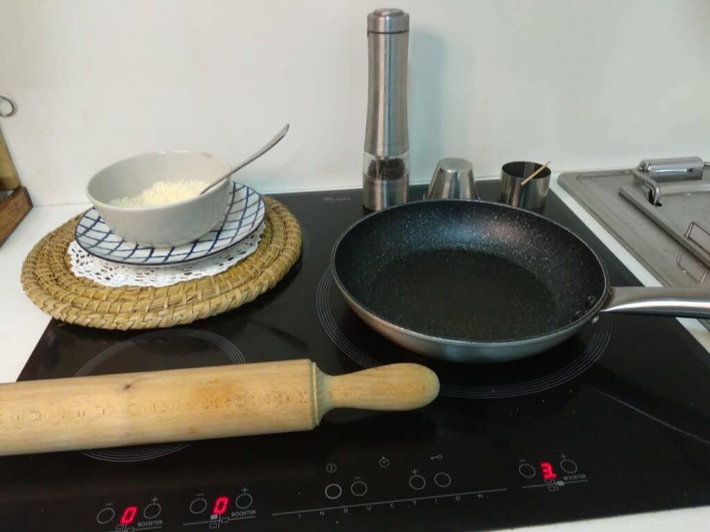 Crujiente de queso, preparando para cocinar
